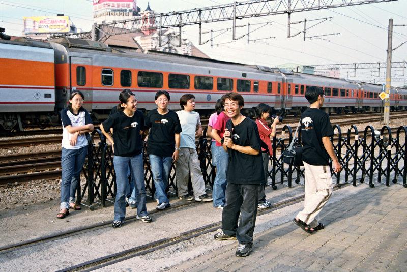 20號倉庫曾是觀賞台中車站以及各列車車種最佳位置