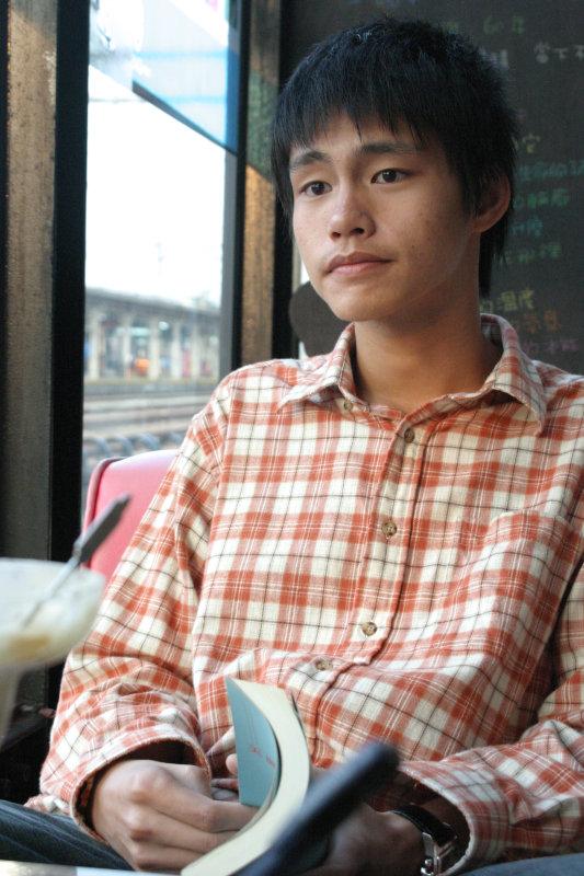 聊天人物攝影台中20號倉庫咖啡廳