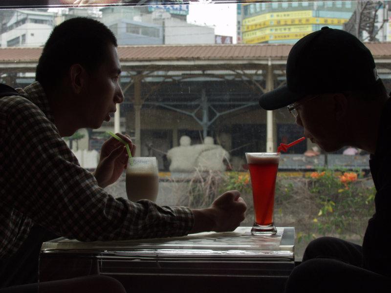 咖啡廳人物剪影台中20號倉庫