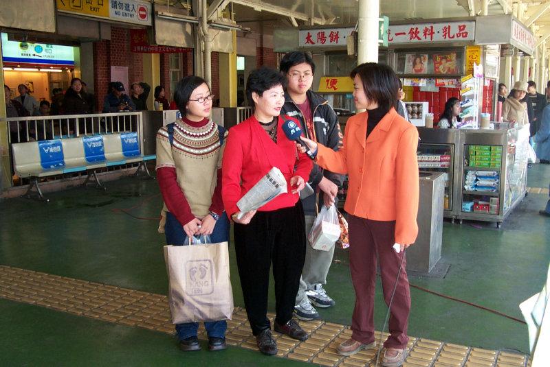 台中火車站農曆新年電視台旅客採防