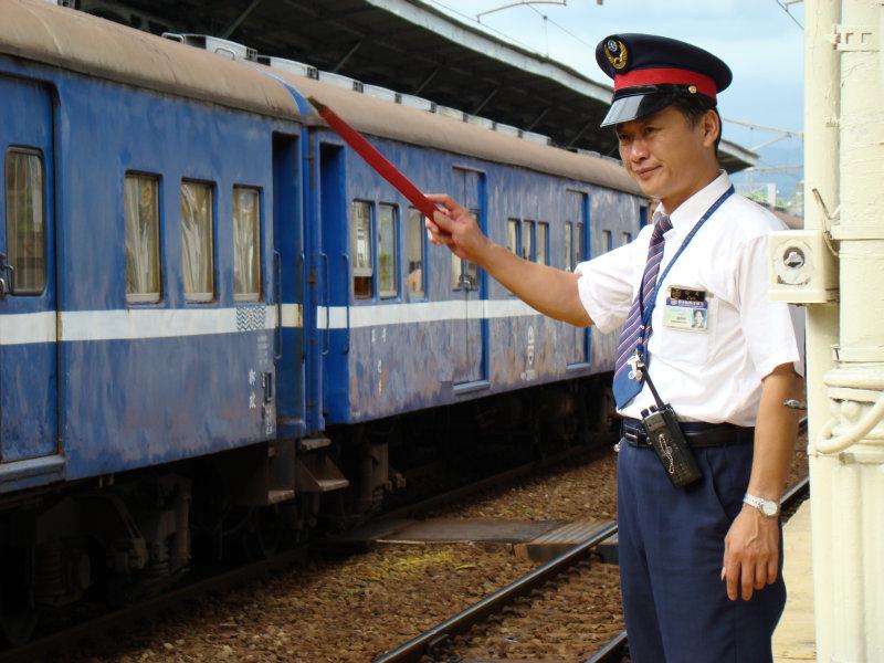 鐵道員貨運專列台中車站第二月台